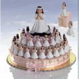 Composicion tarta de niña de comunion rezando
