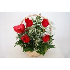 canasta de 6 rosas rojas