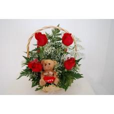 canasta de 6 rosas con peluche